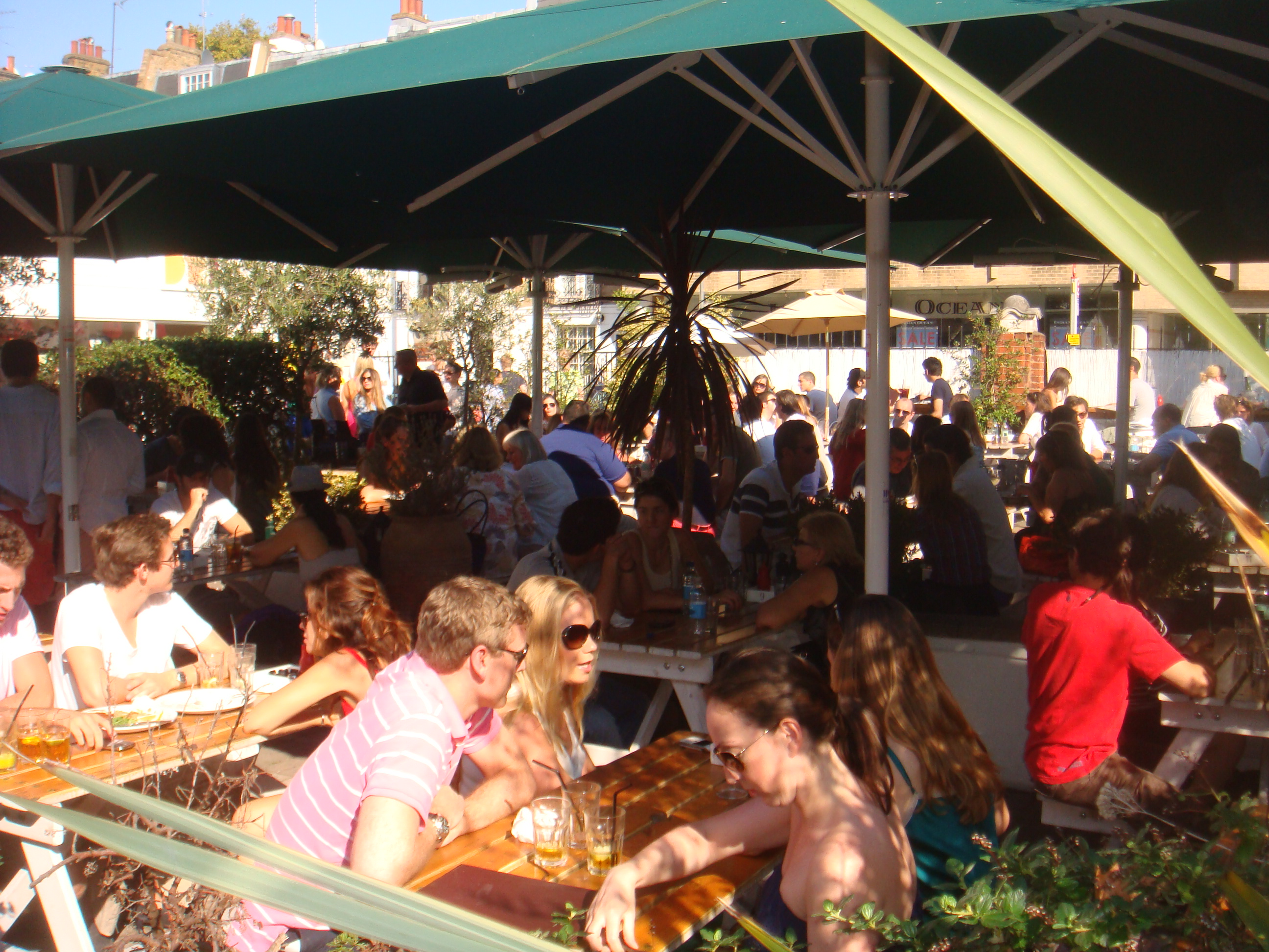 Chelsea Farmers indian summer al fresco in chelsea king 39 s road rocks