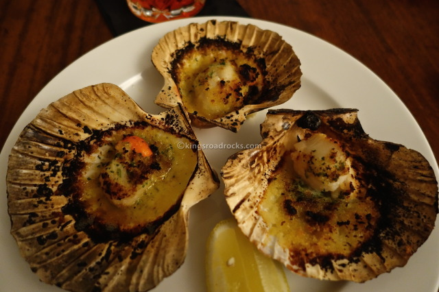 Charcoal-roasted scallops with white port & garlic